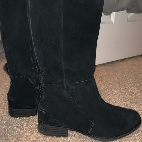 Gray Zip up Uggs Boots #fashion #clothing #shoes